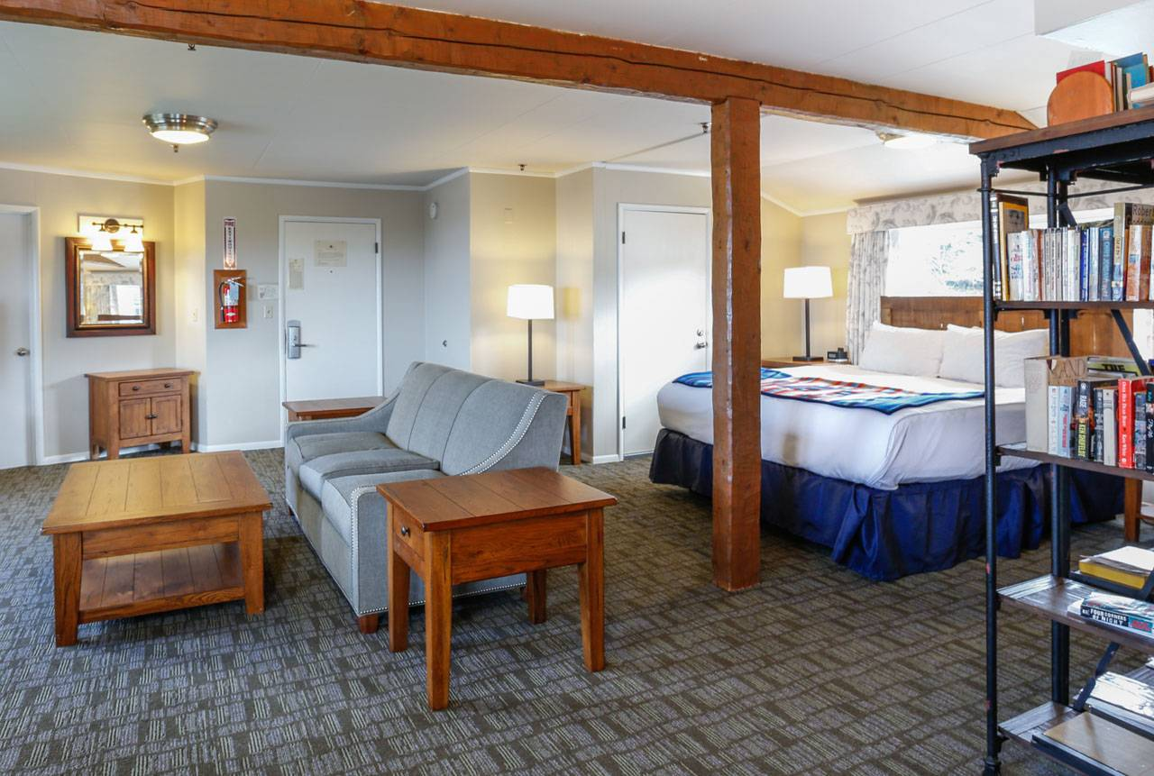 Reserve Becker's Suite as a guestroom during the summer months, or enjoy it as a communal library during the off-season!