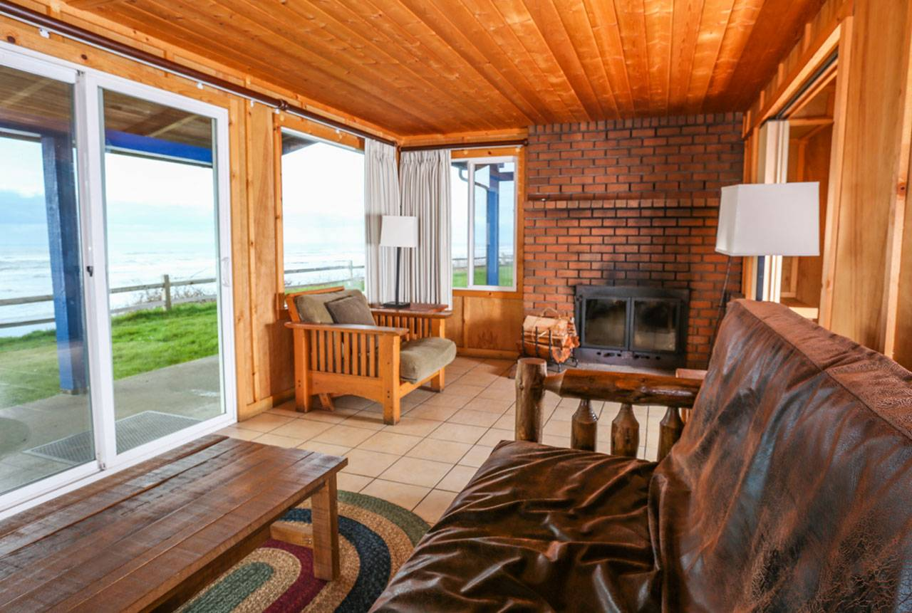 Bluff cabins feature magnificent Pacific Ocean views, and many feature fireplaces!