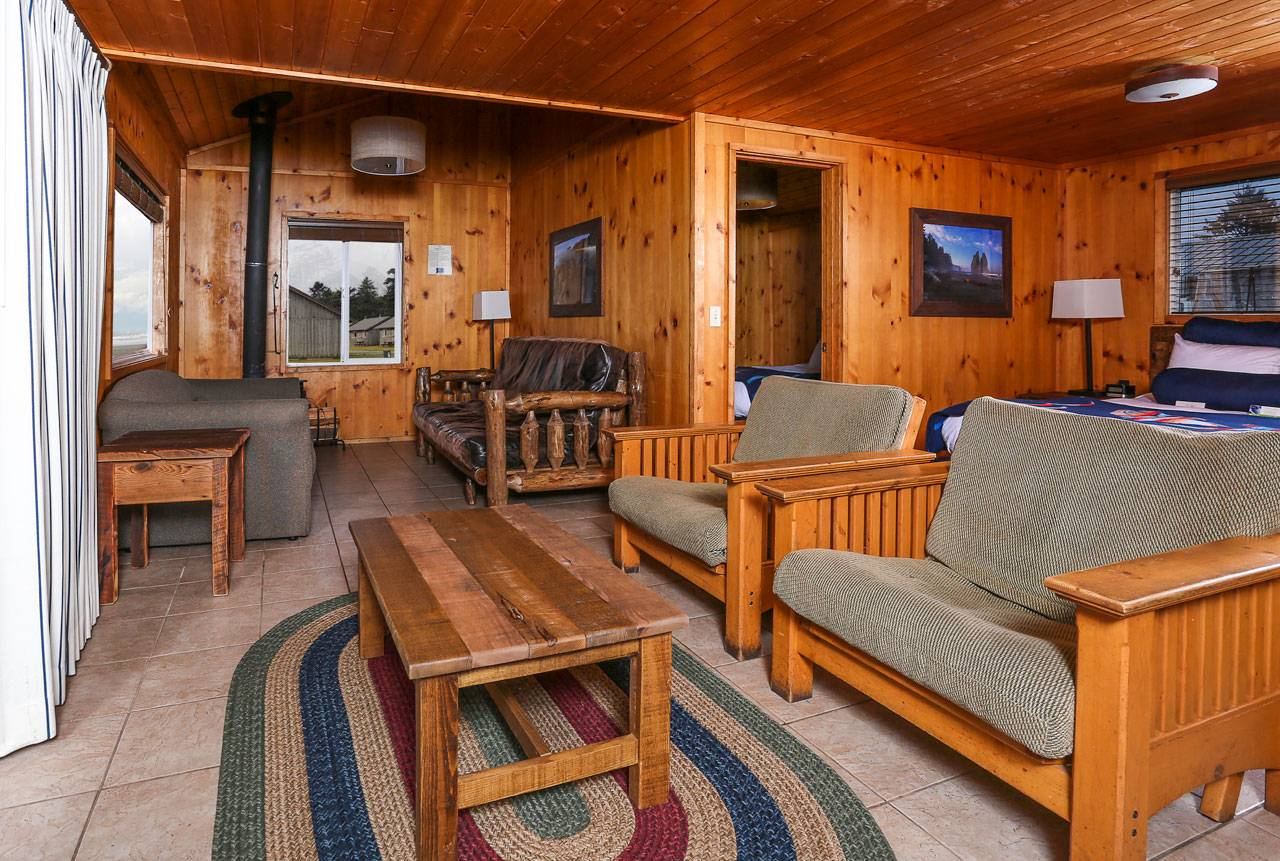 Our largest Bluff Cabins sleep up to 8 people. Bring the whole family!
