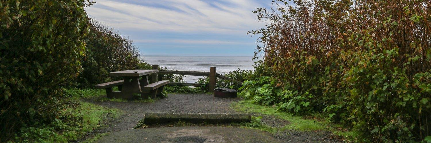 The nearby group campsite overlooks the ocean. Campers can pick up camping supplies at the Kalaloch Mercantile at the Lodge.