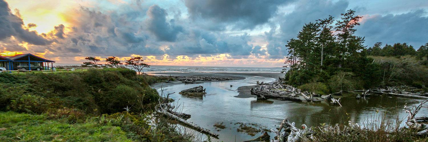 Kalaloch Creek at sunset near Kalaloch Lodge