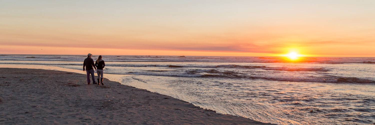 Stroll the beautiful beaches during your stay at Kalaloch Lodge.
