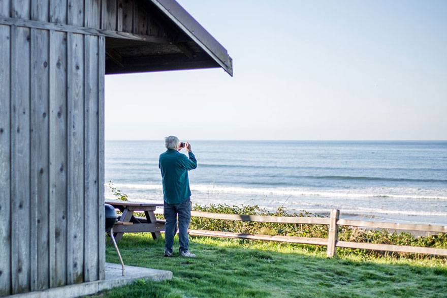 Take advantage of Kalaloch's packages and capture picture perfect scenery just steps from your Kalaloch Bluff Cabin.